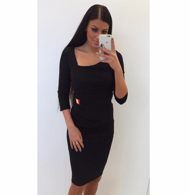 c1f6c86da5e Dina's Closet: Must eest kroogitud midi kleit