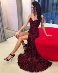 Veinipunane glitter kleit lõhikuga