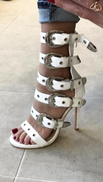 Valged lahtised kingad