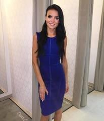 Sinine tugevamast materjalist midi kleit