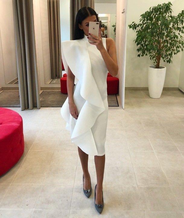 Valge paksemast kangast volang midi kleit
