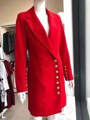 Punane pintsak-kleit