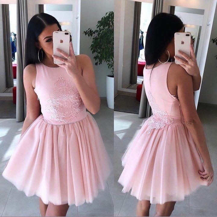 Roosa pärlitega skater kleit