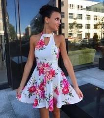 Valge lilleline skater kleit