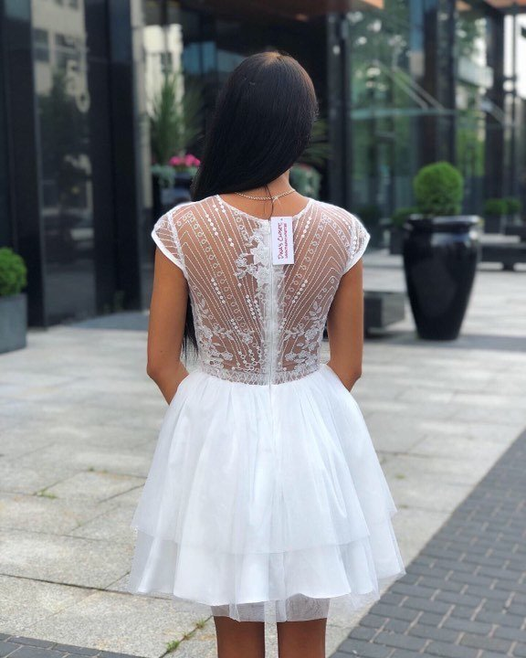 Valge sädelev puhvis seelikuosaga skater kleit