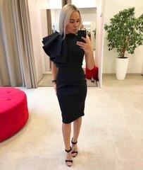 Must naiselik midi kleit volangiga