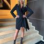 Must V lõikega pintsak-kleit