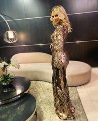 Must kuldsete detailidega luksuslik maksikleit
